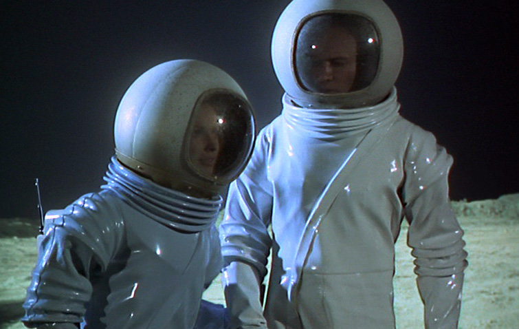 astronaut trapped in space movie - photo #18