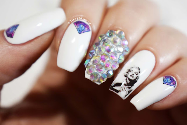 Marilyn Monroe rhinestoned nails