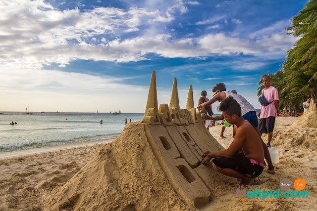 Sand sculpting in Boracay