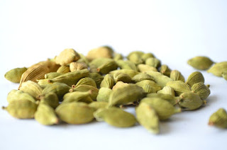 Benefits of consuming Cardamom