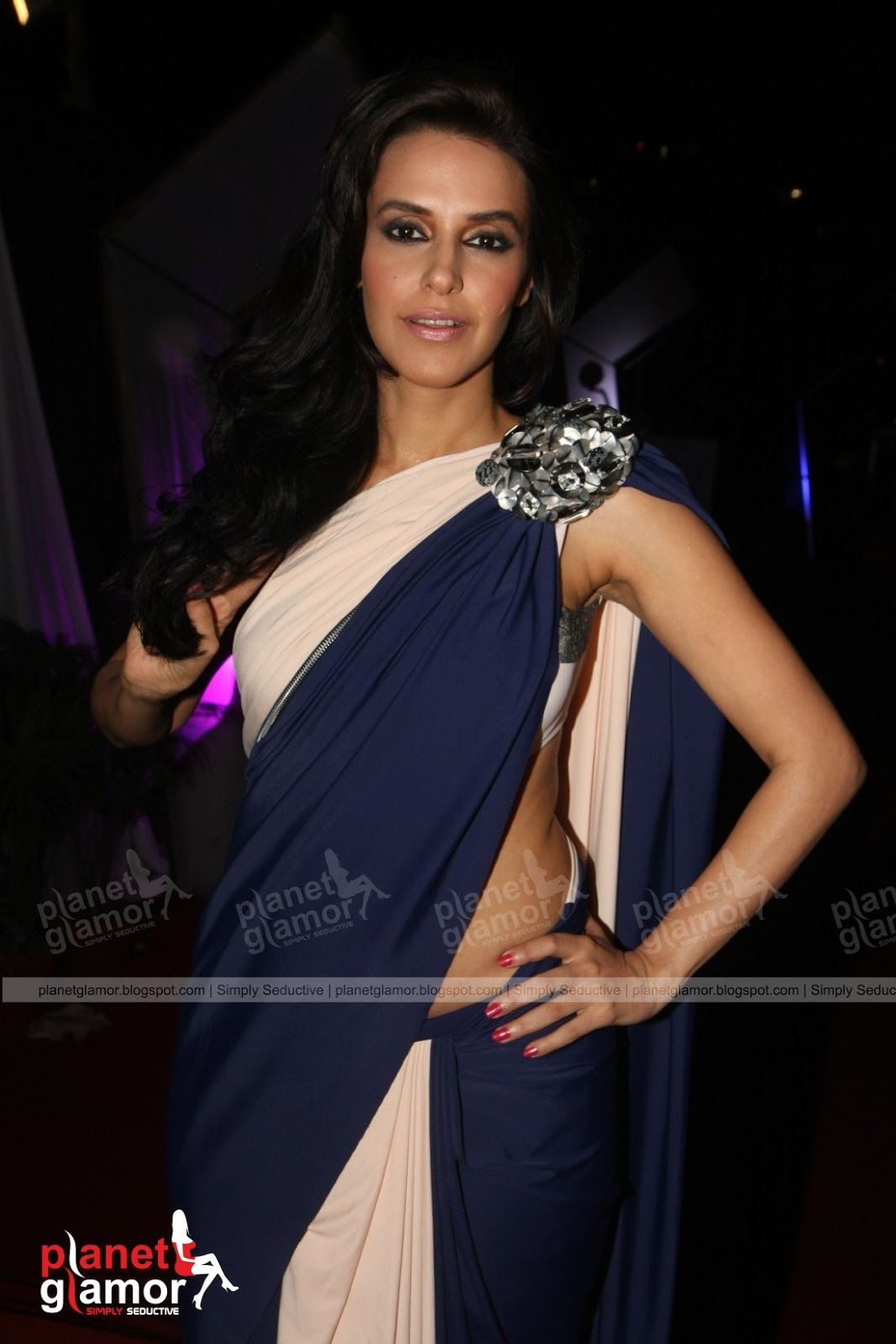 planet glamor neha dhupia white bra hook revealing saree