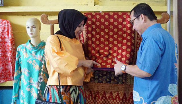Batik dan Songket Duren