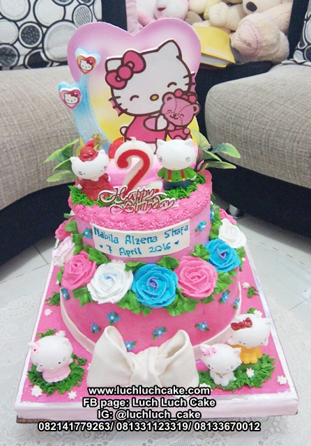 Kue Tart Tingkat Hello Kitty Pink
