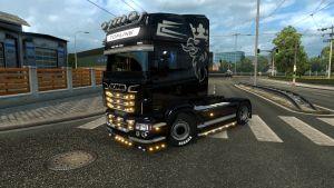Black paint job for Scania RJL