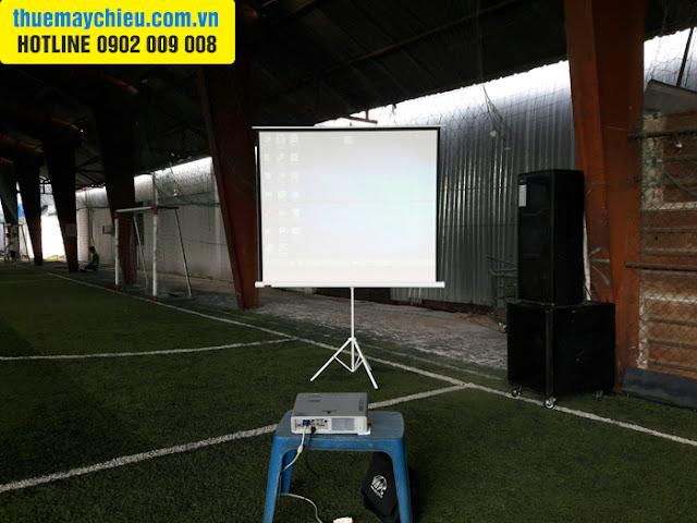 Cho thuê máy chiếu họp CLB ở sân bóng đá Mini tại TpHCM