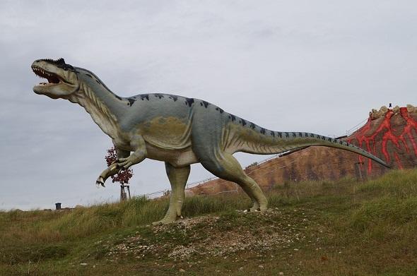 top-10-myths-about-Dinosaurs-افضل-10-خرافات-عن-الديناصورات