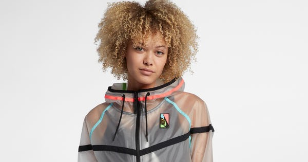 Super Punch: Nikelab Collection Ghost Windrunner Women's Jacket
