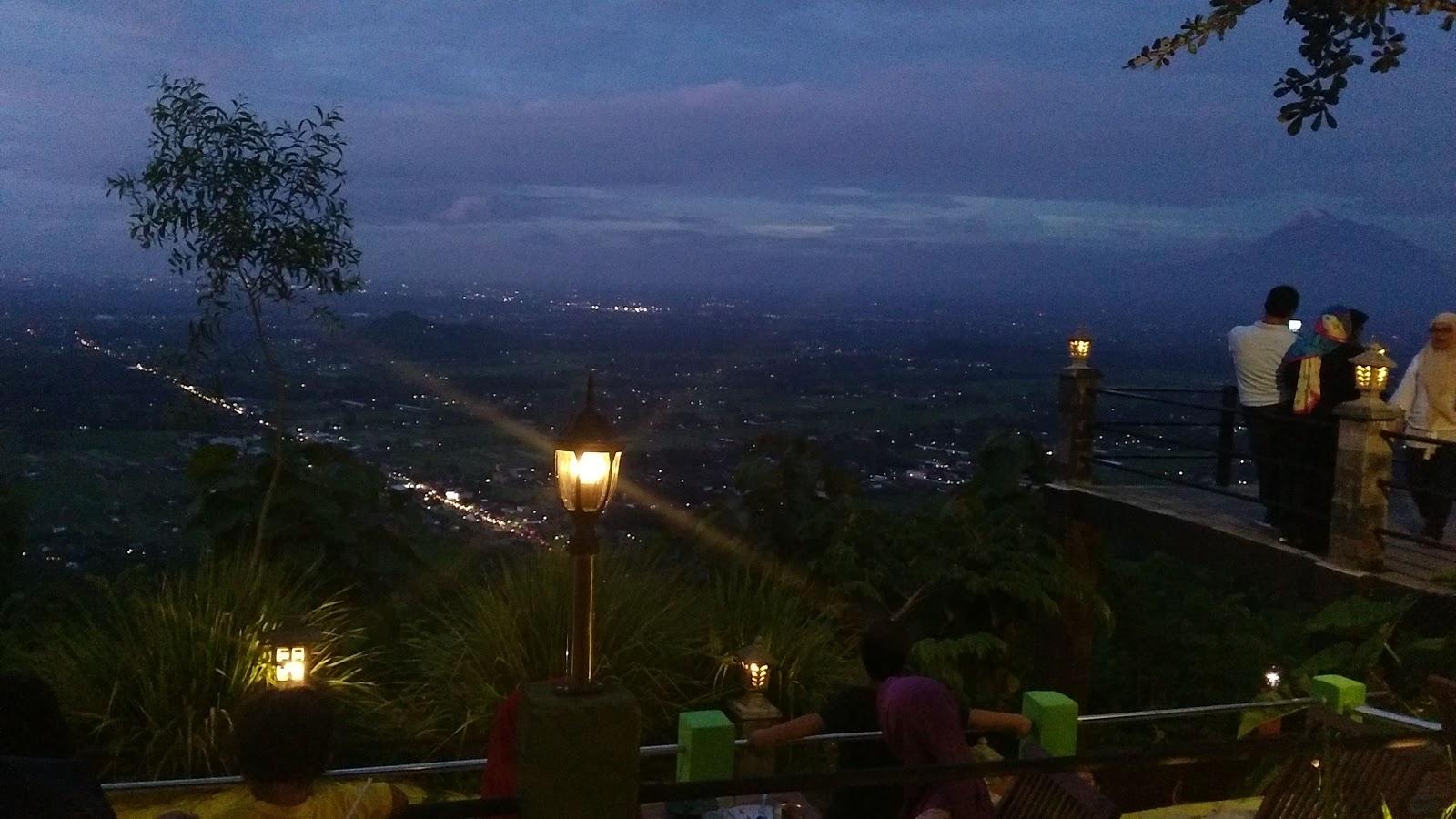 WIsata Bukit Bintang Jogja: Tempat Wisata Jogja Malam Super Romantis