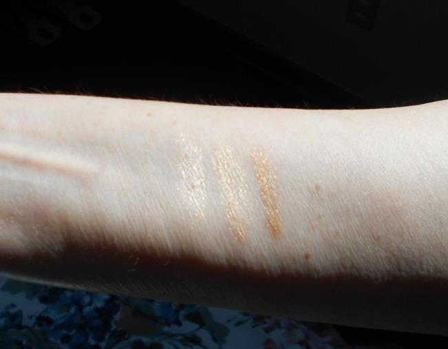 PUR Cosmetics Sun-Kissed Glow Strobe & Highlight Palette Palette Swatches