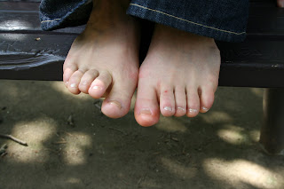 Beautiful Barefoot Girls Brandi Shows Her Slender Soles