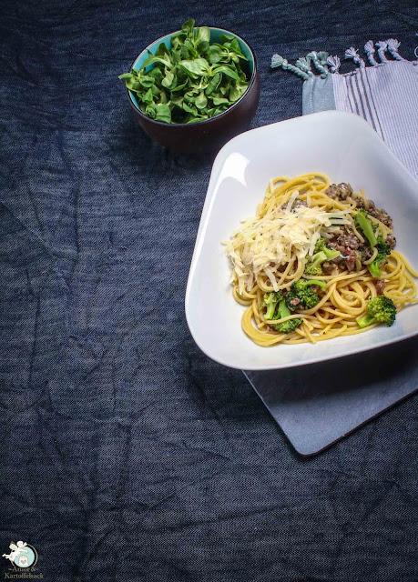 Spaghetti mit Salsiccia und Brokkoli