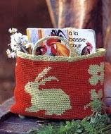 http://amicrochet.blogspot.com.es/2010/05/patron-cajita.html