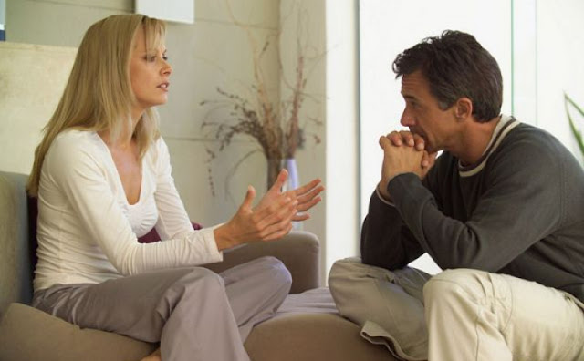 Topik Sensitif Yang Harus Dibicarakan Dengan Pasangan