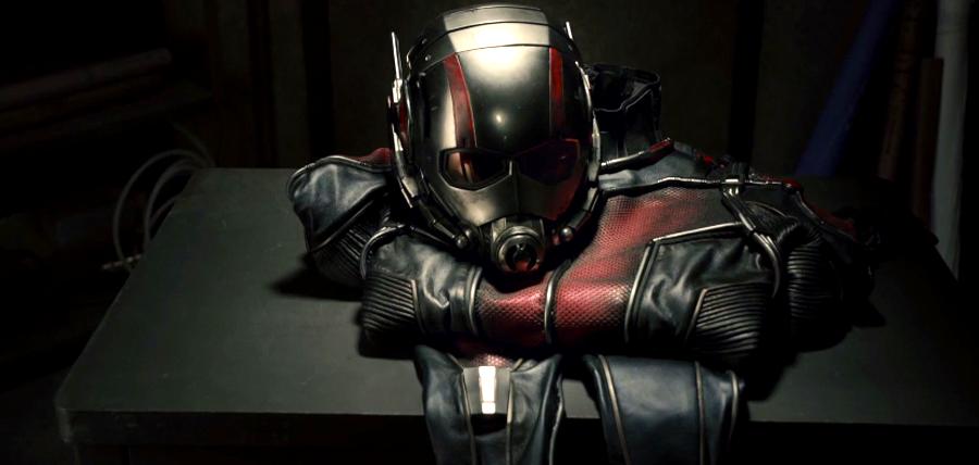 Costumul fantastic din Ant-Man