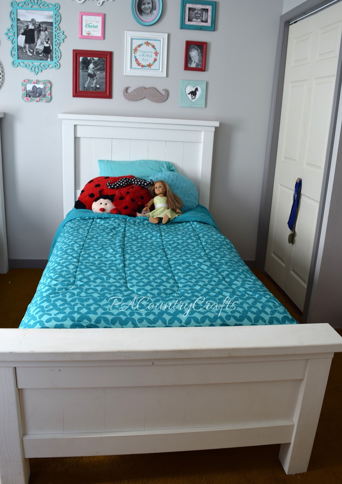 Powell White Twin Bedroom In A Box: Ana White Farmhouse Twin Beds