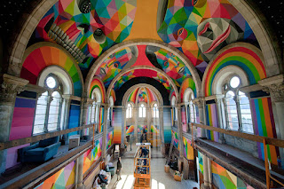Obra de Okuda San Miguel en iglesia skatepark