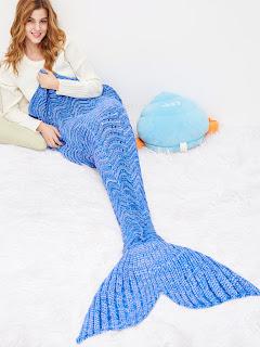 http://es.shein.com/Sky-Blue-Wave-Modelling-Fish-Dail-Blanket-p-334532-cat-1916.html?utm_source=mivida-enblog.blogspot.com.es&utm_medium=blogger&url_from=mivida-enblog&ref=www&rep=dir&ret=es