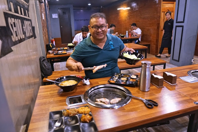 Carlo Olano of Kalami Cebu enjoying Samgyeopsal at Barangay Seoul