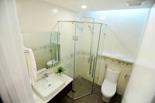 Phòng tắm FLC Star Tower