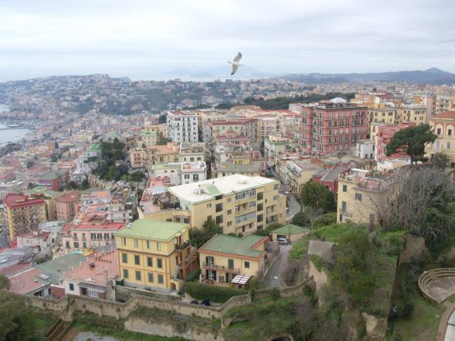 pagórkowaty teren Neapol
