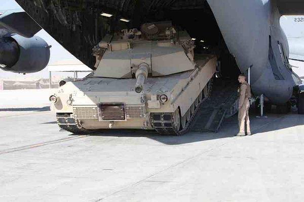 مشاهدة الدفعة الأولى لدبابات أبرامز في المغرب