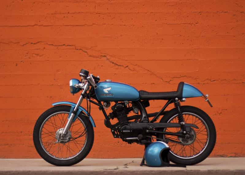 honda cb125s big blue cafe racer return of the cafe racers. Black Bedroom Furniture Sets. Home Design Ideas