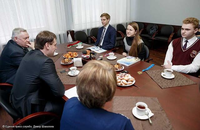 Глава района провёл встречу с призёрами физматлицея Сергиев Посад
