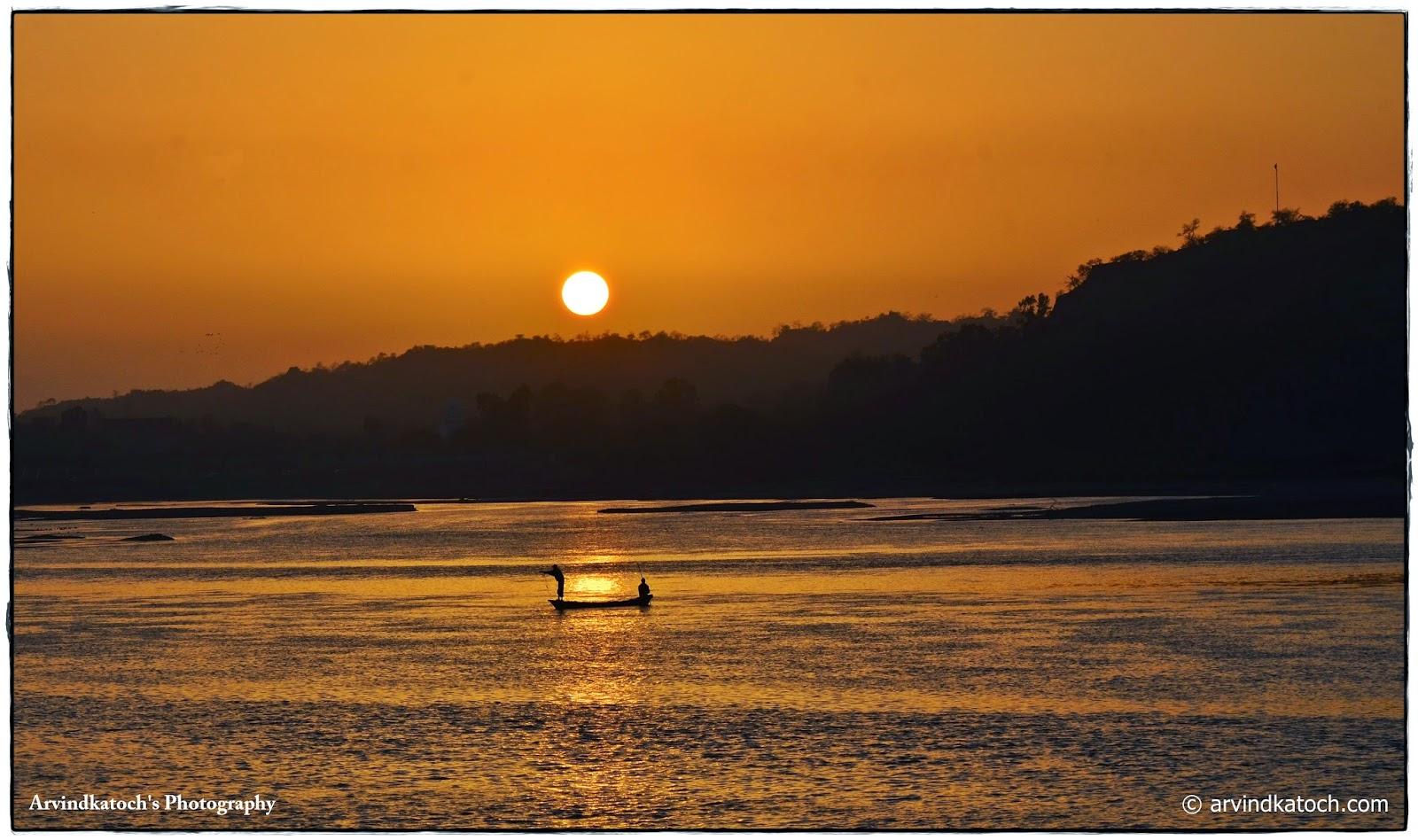 Ropar Wetland, Rupnagar, Wetland, Ropar Lake, Lake, Fishermen, fishing boat,