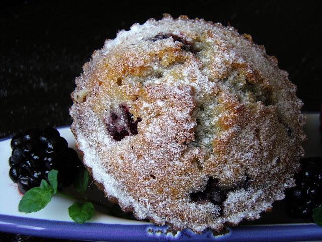 je%C5%BCyny Muffiny z jeżynami i miętą