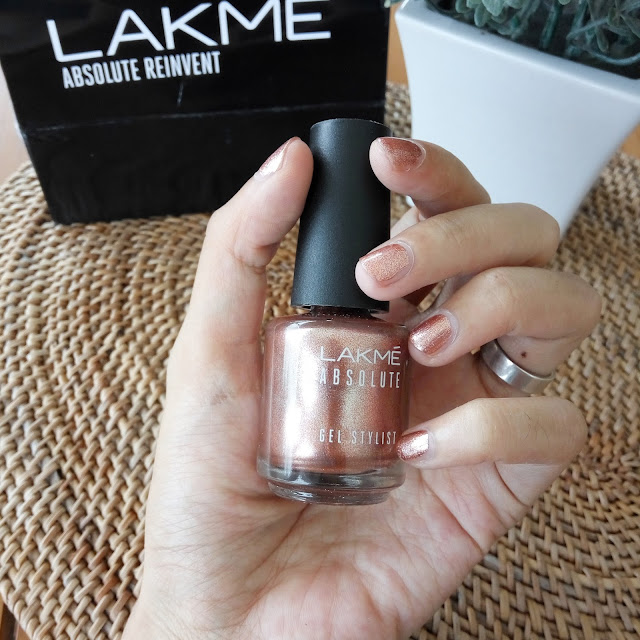 Review Lakme Absolute Gel Stylist – Gold Dust