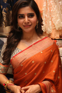 Actress Samantha Pictures in Saree at South India Shoping Mall Launch  0462.JPG