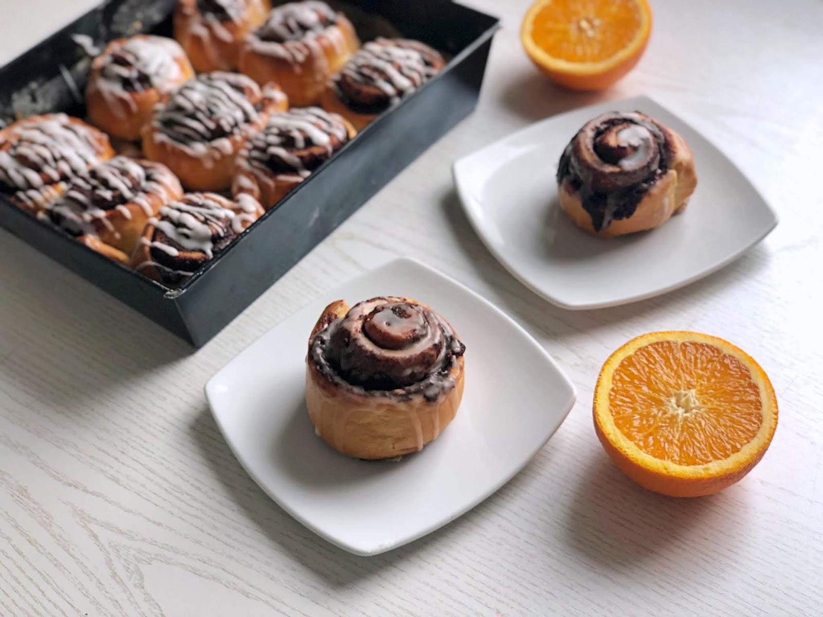 Czekoladowo-pomarańczowe bułeczki zawijasy