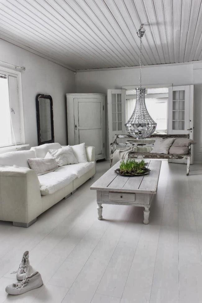 Piękne wnętrze w stylu skandynawskim i shabby chic, wystrój wnętrz, wnętrza, urządzanie domu, dekoracje wnętrz, aranżacja wnętrz, inspiracje wnętrz,interior design , dom i wnętrze, aranżacja mieszkania, modne wnętrza, styl skandynawski, scandinavian style, białe wnętrza, shabby chic, salon