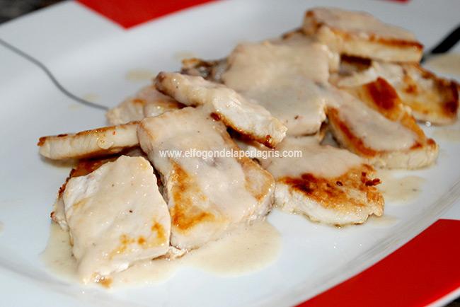 Pollo en salsa de gambas