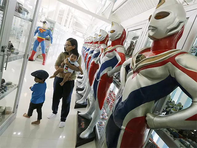 Million Toy Museum: Bring the child in you