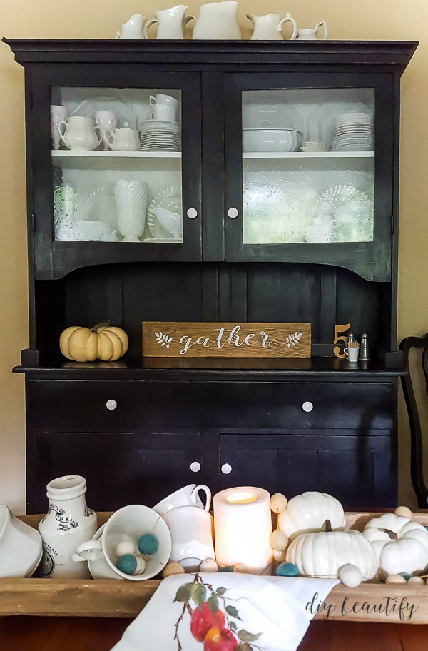 china hutch and diy farmhouse sign | diy beautify