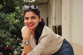Actress Kamna Ranawath Latest Pictures in Ripped Jeans  0098.JPG