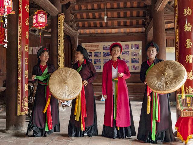 Cantantes de Quan Ho - Vietnam por El Guisante Verde Project