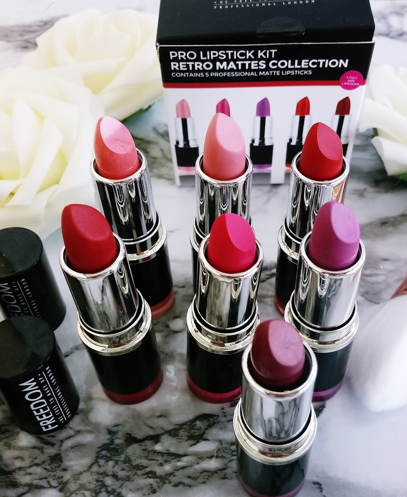 PRO LIPSTICK KIT -  MATTES COLLECTION - RETRO marki FREEDOM