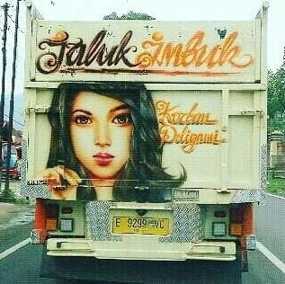 tulisan kreatif di truk pantura