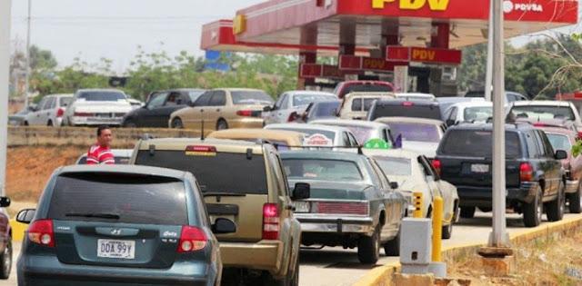 Atención: Denuncian que gasolina que llegó deja mal olor y es de mala calidad
