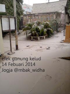 gunung keluad meletus 14 febuari 2014