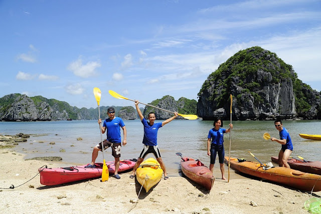 Family tours in Halong Bay - relaxing holiday in Vietnam 4
