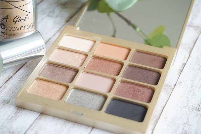 stila - Eyes are the Window Shadow Palette in Soul
