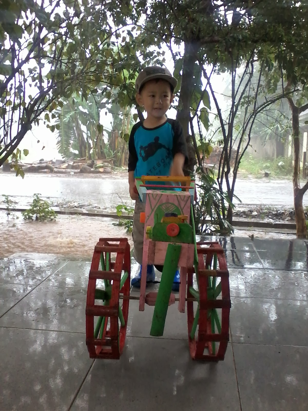 harga traktor mainan