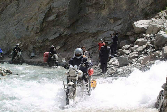 India the easy way Water%2Bcrossing%2BLadahk