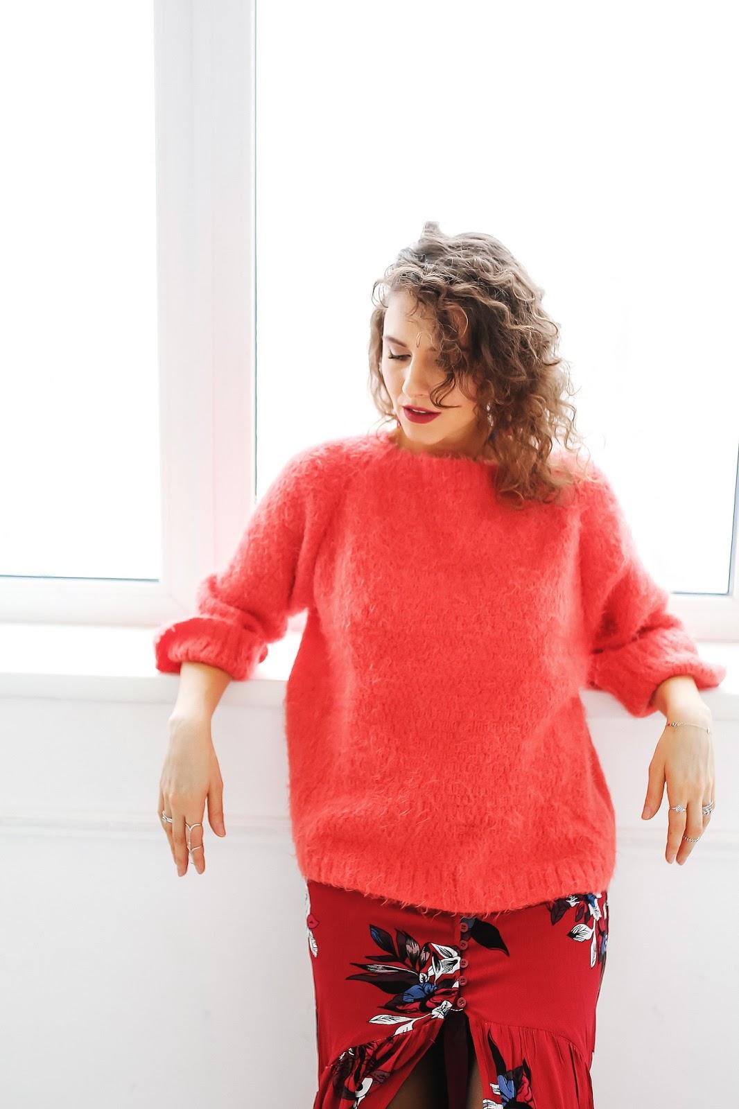 одежда красного цвета сочетание
