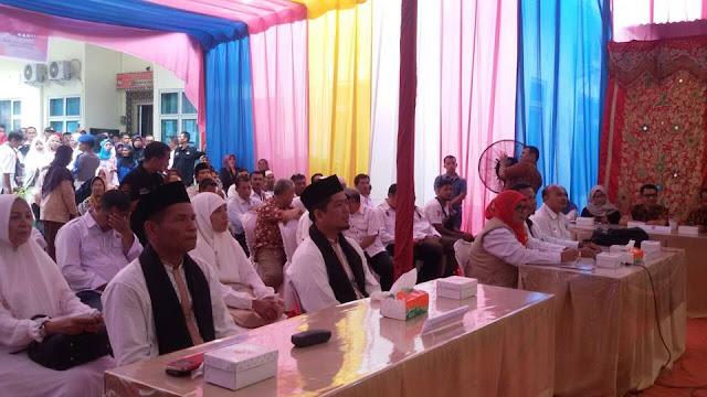 Diiringi Pendukung, Mahyuddin-Ridwan Daftar ke KPU Pariaman