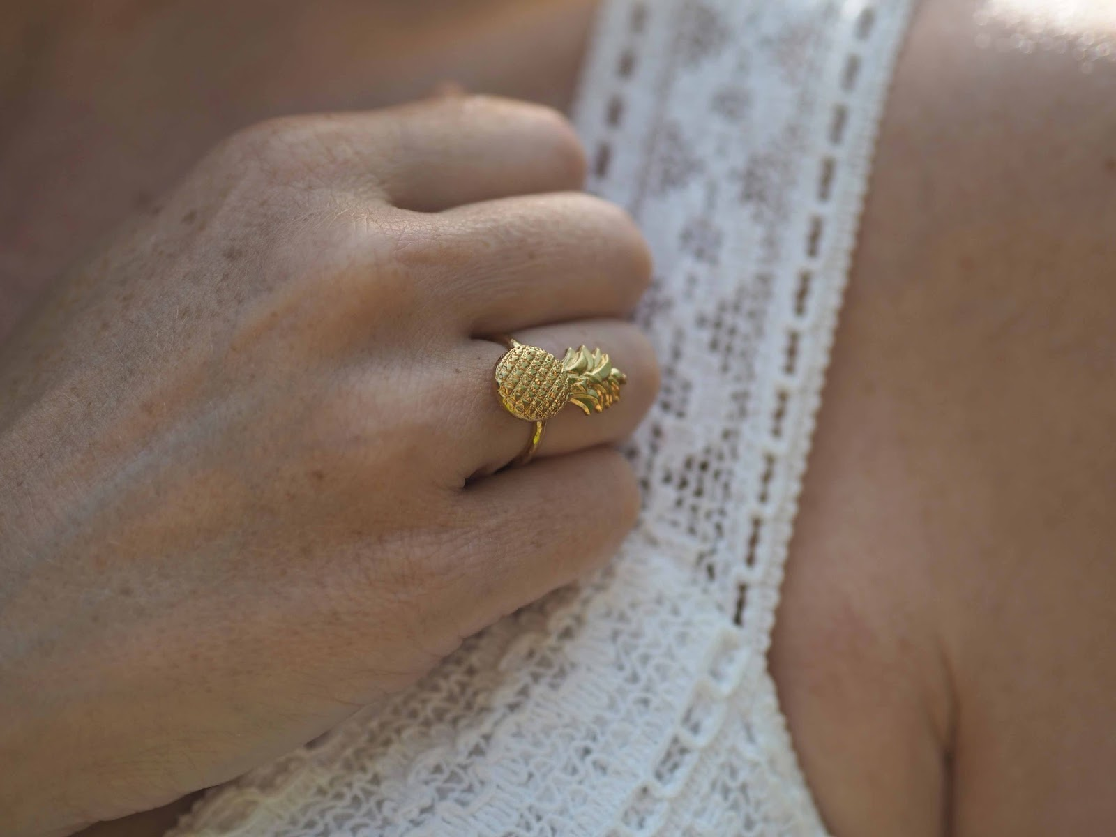 Gold pineapple ring