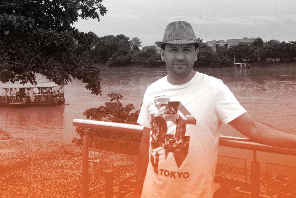 Hache Holguín - Ilustrador y diseñador gráfico freelance